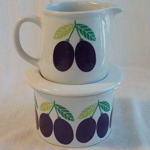 Made in Finland Arabia Pomona Creamer & Sugar Plum